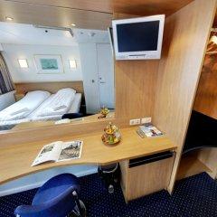Гостиница Norwegian Jade Cruise Ship в Сочи отзывы, цены и фото номеров - забронировать гостиницу Norwegian Jade Cruise Ship онлайн удобства в номере фото 2