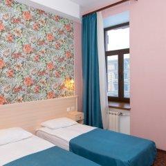 Апартаменты Гостевые комнаты и апартаменты Грифон Стандартный номер с двуспальной кроватью