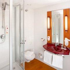 Отель Star Inn Hotel Salzburg Zentrum, by Comfort Австрия, Зальцбург - 7 отзывов об отеле, цены и фото номеров - забронировать отель Star Inn Hotel Salzburg Zentrum, by Comfort онлайн ванная фото 2
