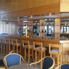 Отель Kapetanios Bay Hotel Кипр, Протарас - отзывы, цены и фото номеров - забронировать отель Kapetanios Bay Hotel онлайн гостиничный бар фото 3