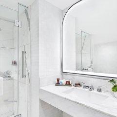Отель Conrad New York Midtown ванная фото 5