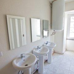 Отель Tagus Royal Residence - Hostel Португалия, Лиссабон - 1 отзыв об отеле, цены и фото номеров - забронировать отель Tagus Royal Residence - Hostel онлайн ванная фото 3