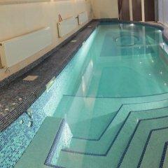 Lux Hotel бассейн