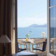 Отель InterContinental Carlton Cannes Франция, Канны - 3 отзыва об отеле, цены и фото номеров - забронировать отель InterContinental Carlton Cannes онлайн балкон