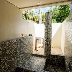Отель Holiday Inn Resort Kandooma Maldives 4* Стандартный номер с различными типами кроватей фото 3