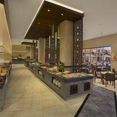 Отель DoubleTree by Hilton Resort & Spa Marjan Island питание фото 2