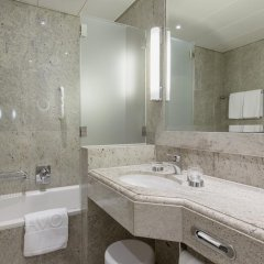 Savoy Hotel Baur en Ville Цюрих ванная
