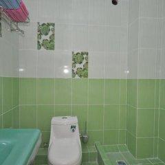 Гостиница Вилла Камилла в Лазурном отзывы, цены и фото номеров - забронировать гостиницу Вилла Камилла онлайн Лазурное ванная фото 2