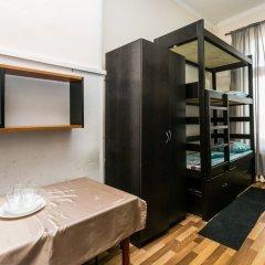 Хостел Хогвардс Кровать в женском общем номере с двухъярусной кроватью фото 9