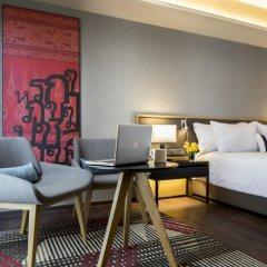 Отель Travelodge Sukhumvit 11 4* Улучшенный номер с различными типами кроватей фото 6