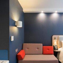 Отель Holiday Inn Express Paris - CDG Airport 3* Улучшенный номер с различными типами кроватей фото 5