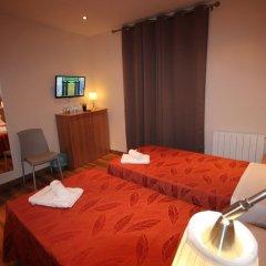Отель Hostal Orleans комната для гостей