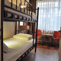 Хостел Antique комната для гостей фото 7