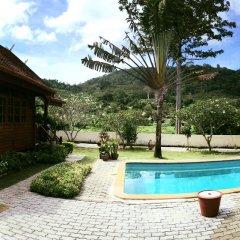 Отель Elephant Guesthouse бассейн