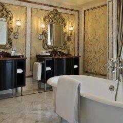 Отель Habtoor Palace, LXR Hotels & Resorts ванная фото 9