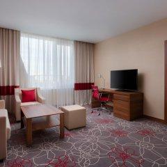 Гостиница Фор Поинтс бай Шератон Краснодар комната для гостей фото 2