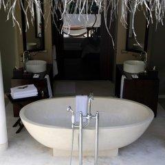 Отель Ayada Maldives 5* Вилла с различными типами кроватей фото 9