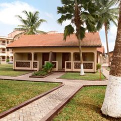 Отель Ramada Resort, Accra Coco Beach вид на фасад