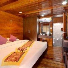 Отель Patong Bay Hut комната для гостей