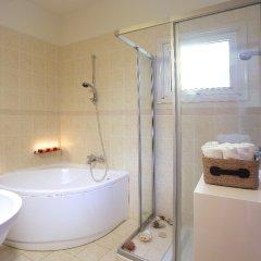 Отель Leonies By The Sea Villa ванная фото 2