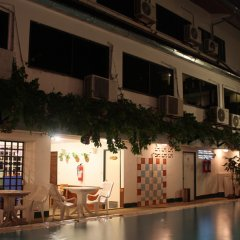 Отель Karon View Resort Phuket бассейн