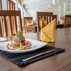 Отель Nuwarawewa Rest House Шри-Ланка, Анурадхапура - отзывы, цены и фото номеров - забронировать отель Nuwarawewa Rest House онлайн питание