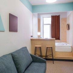 Хостел Друзья на Банковском Стандартный номер с двуспальной кроватью (общая ванная комната) фото 4