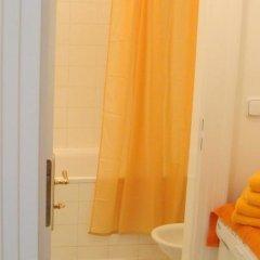 Отель Royal Route Aparthouse Прага ванная фото 3