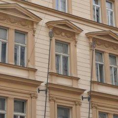 Отель Bambur Residence Чехия, Прага - отзывы, цены и фото номеров - забронировать отель Bambur Residence онлайн вид на фасад фото 2