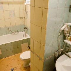 Adelfiya Hotel ванная