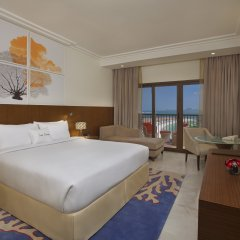 Отель DoubleTree by Hilton Resort & Spa Marjan Island комната для гостей фото 8