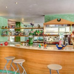 Hotel Aiglon гостиничный бар