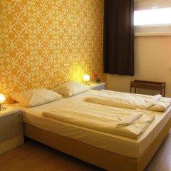 Отель OSTEL - Das DDR Hostel Германия, Берлин - 3 отзыва об отеле, цены и фото номеров - забронировать отель OSTEL - Das DDR Hostel онлайн комната для гостей фото 2