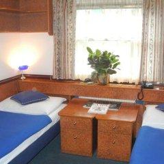 Отель Admiral Botel комната для гостей