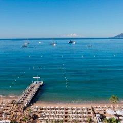 Отель InterContinental Carlton Cannes Франция, Канны - 3 отзыва об отеле, цены и фото номеров - забронировать отель InterContinental Carlton Cannes онлайн пляж фото 2