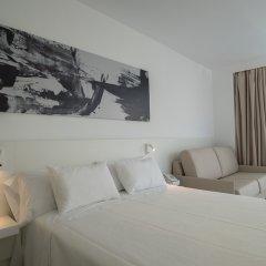 Els Pins Hotel 4* Стандартный семейный номер с различными типами кроватей фото 5