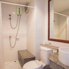Отель Natural Beach Паттайя ванная фото 6