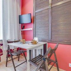 Апартаменты Sokroma Глобус Aparts Студия с двуспальной кроватью