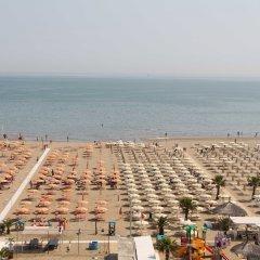 Rèmin Plaza Hotel пляж