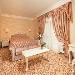 Гостиница Royal Grand Hotel & Spa Украина, Трускавец - отзывы, цены и фото номеров - забронировать гостиницу Royal Grand Hotel & Spa онлайн комната для гостей фото 4