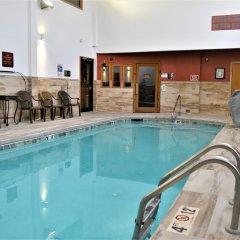 Отель Comfort Inn & Suites Durango бассейн