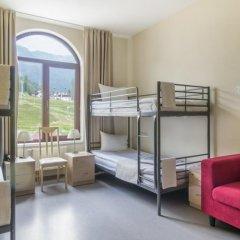 Райдерс Лодж (Riders Lodge Hotel) 2* Кровать в общем номере с двухъярусной кроватью фото 3