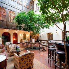 Hotel König von Ungarn гостиничный бар