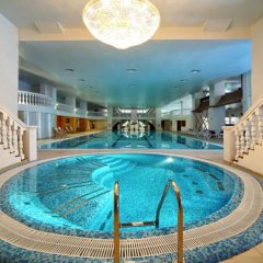 Гостиница Royal Grand Hotel & Spa Украина, Трускавец - отзывы, цены и фото номеров - забронировать гостиницу Royal Grand Hotel & Spa онлайн бассейн фото 2