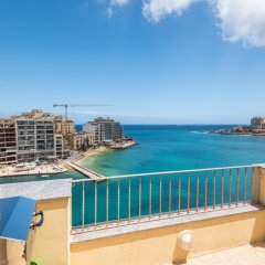 Отель Spinola Bay Penthouse Мальта, Сан Джулианс - отзывы, цены и фото номеров - забронировать отель Spinola Bay Penthouse онлайн балкон фото 5