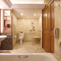 Nusa Dua Beach Hotel & Spa ванная фото 3