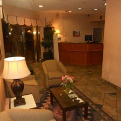 Отель Ramada Vancouver Exhibition Park Канада, Ванкувер - отзывы, цены и фото номеров - забронировать отель Ramada Vancouver Exhibition Park онлайн интерьер отеля фото 2