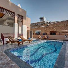 City Stay Hotel бассейн