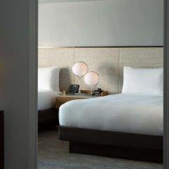 Отель New York Hilton Midtown 4* Семейный смежный номер с двуспальной кроватью фото 4