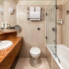 Отель Radisson Blu Edwardian Heathrow 4* Улучшенный номер с различными типами кроватей фото 5
